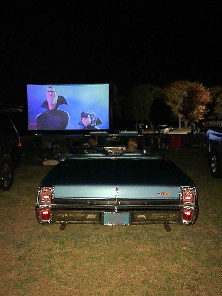 mobile drive in movie theater